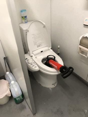 大阪狭山市のトイレつまりの様子