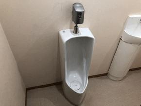 八尾市の小便器水が出ない作業前の様子