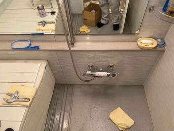 枚方市の浴室蛇口水漏れ作業後の様子