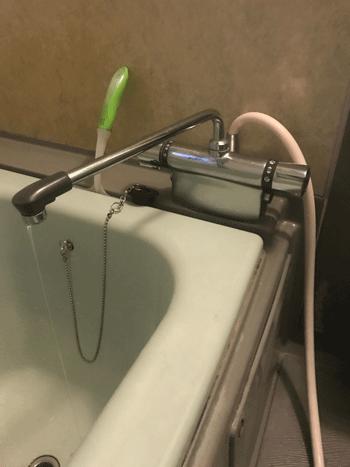 城東区の台所蛇口水漏れの様子