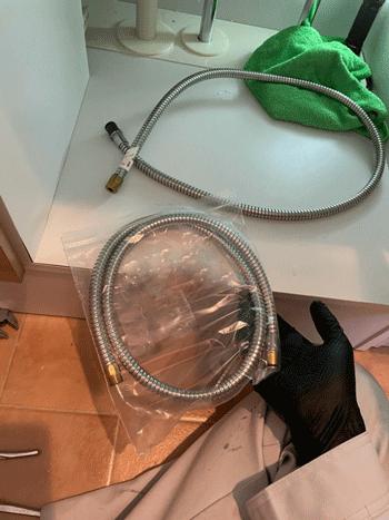 豊中市の洗面蛇口修理の途中の様子