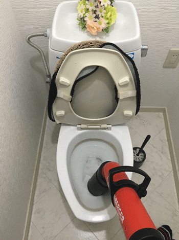 向日市のトイレつまりの様子