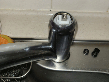 八尾市の浴室蛇口水漏れの作業後の様子