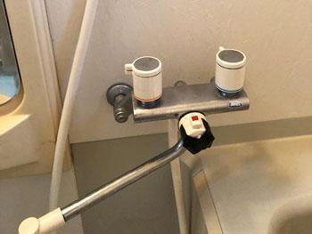 亀岡市の浴室蛇口交換前の様子